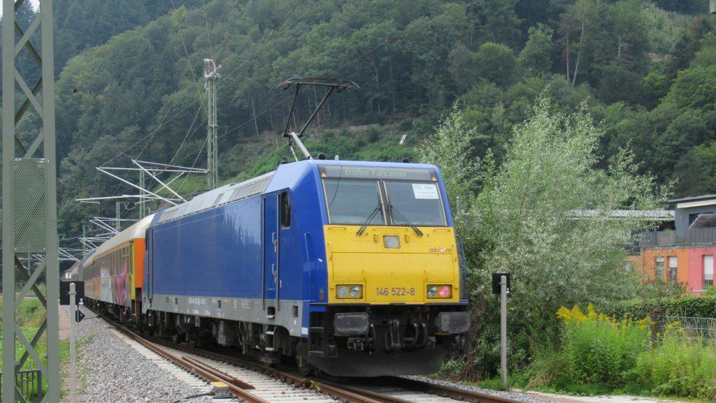 Ausfahrt aus dem Bahnhof Waldkirch in Richtung Freiburg